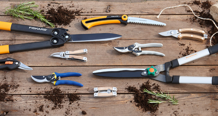 vegetable garden tools and maintenance