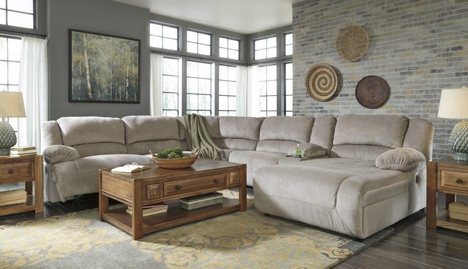 calm color with neutral touch living room design