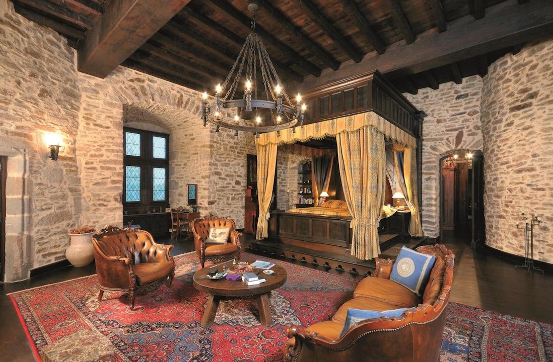 inspiring castle bedroom design