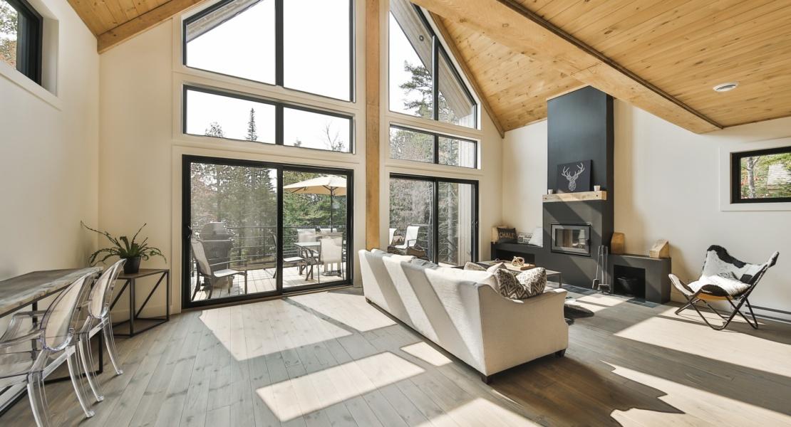 simple neat minimalist interior