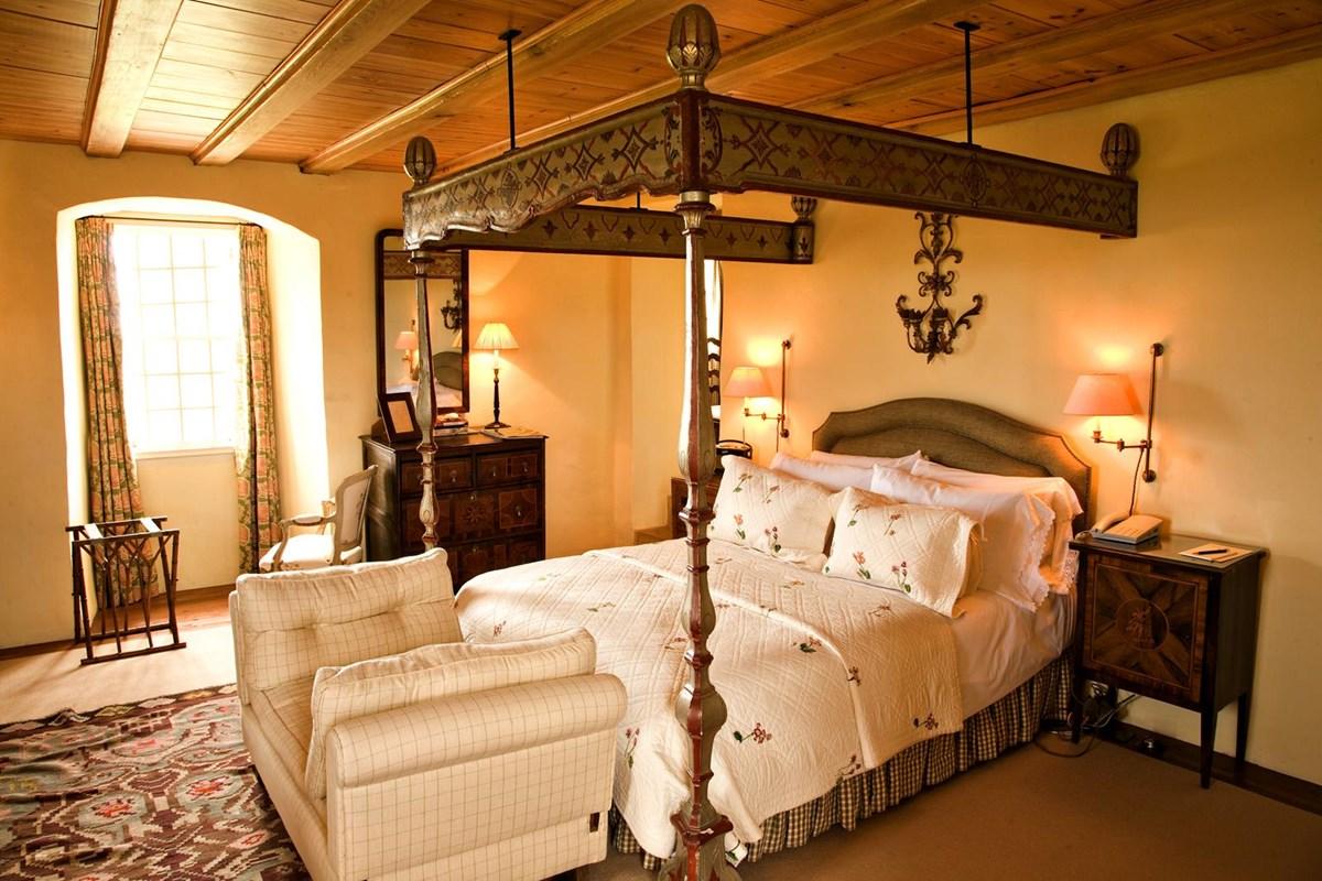exclusive wooden castle bedroom