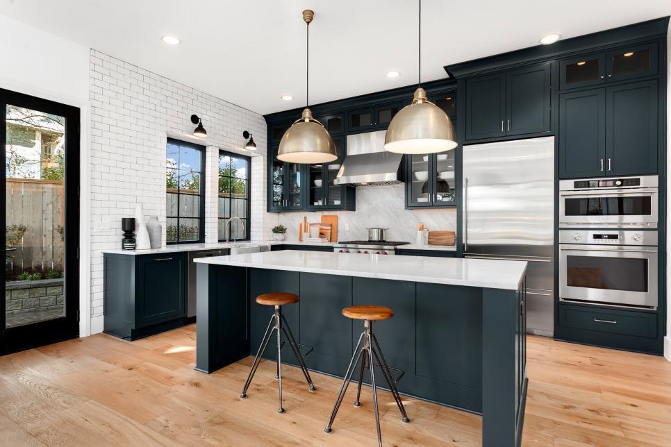 white and black kitchen pallettes