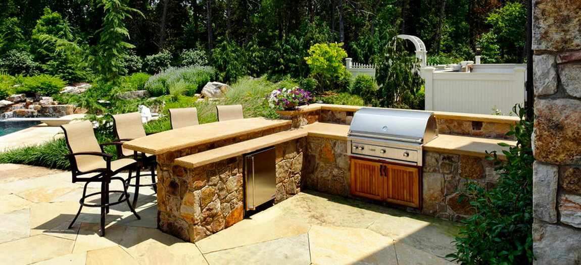 Cozy Arizona Backyard Ideas with Outdoor Kitchen and BBQ Place
