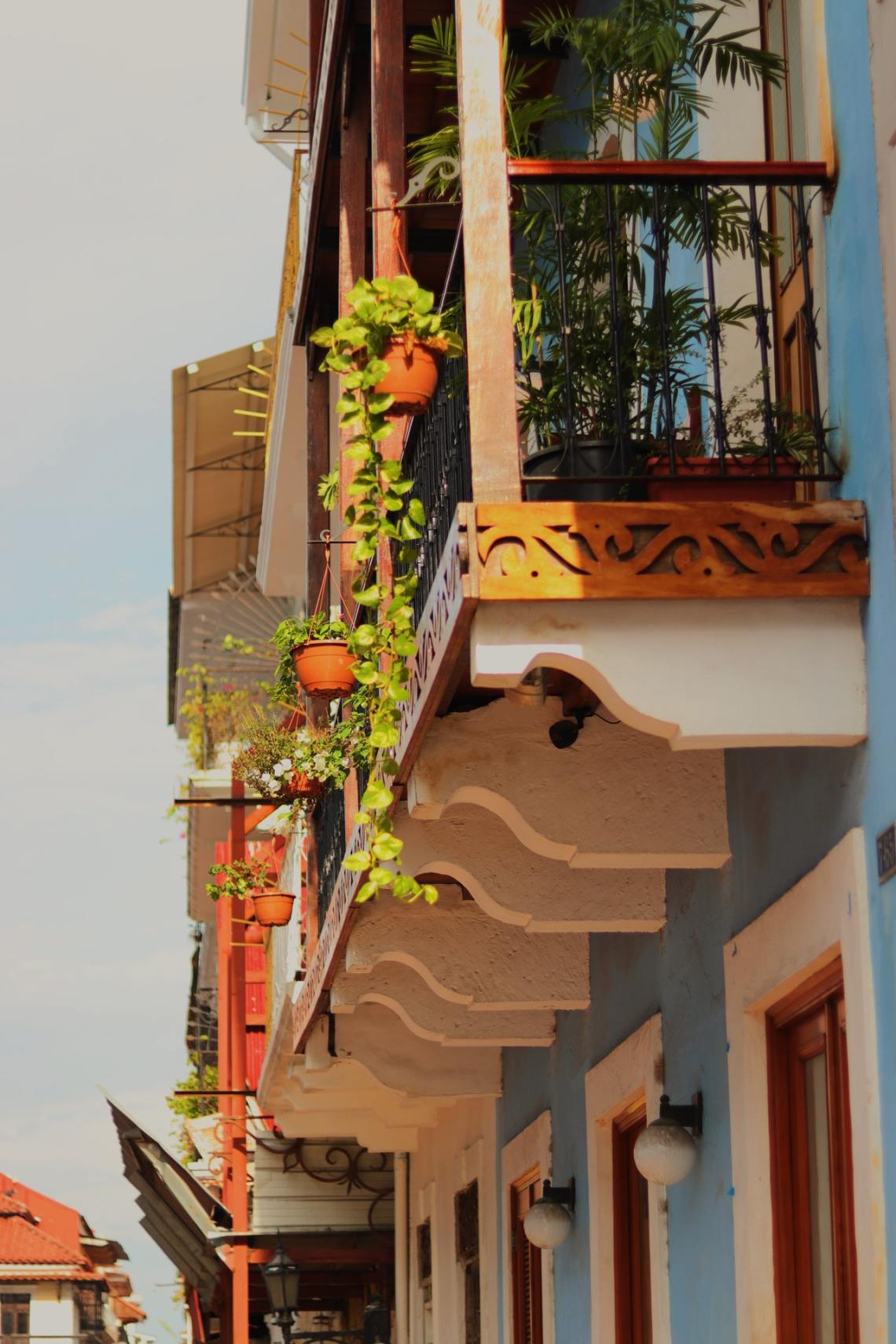 small balcony apartment patio ideas