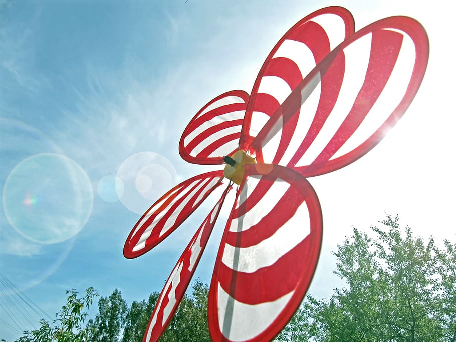 beautiful wind spinner for yard decoration