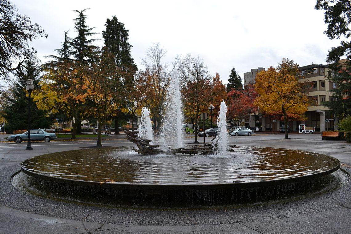 outdoor fountains modern