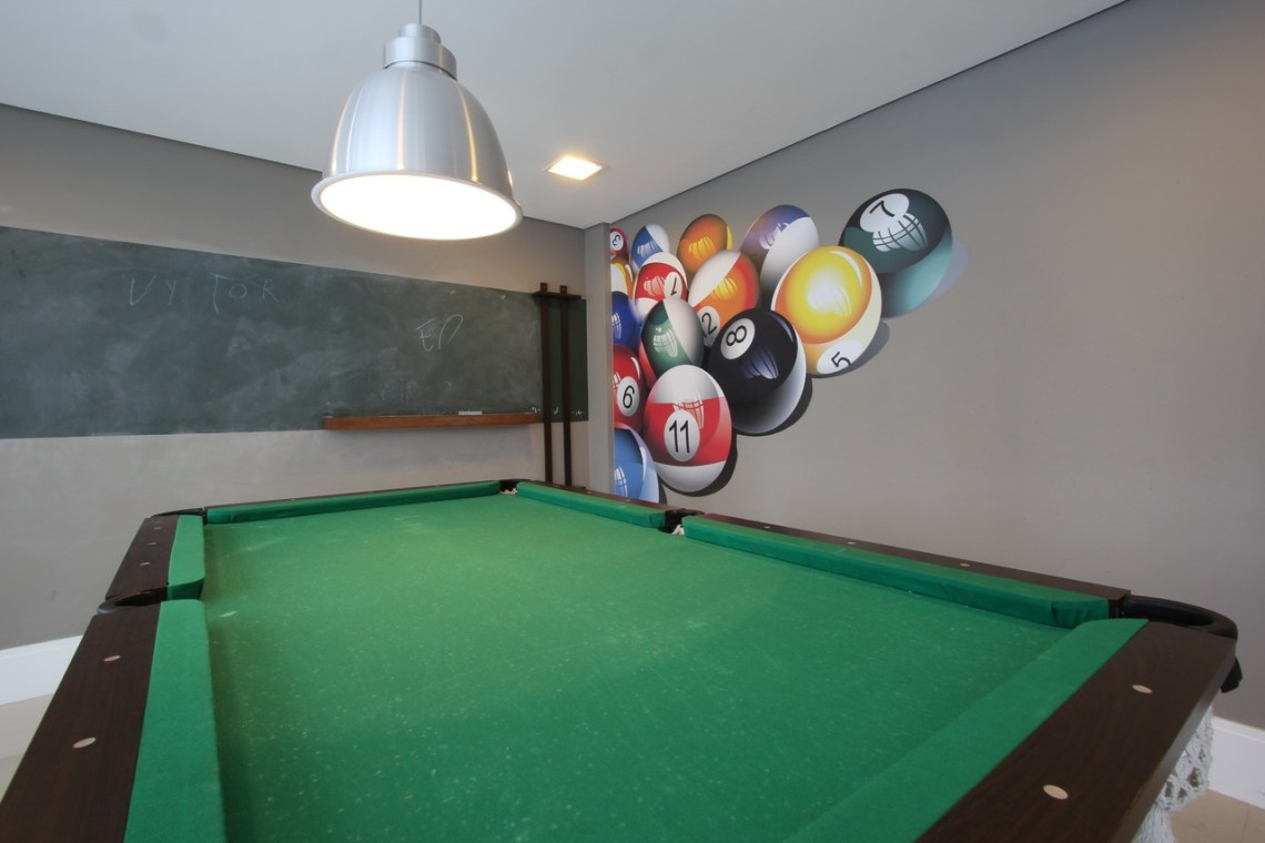 pool table room wall colors