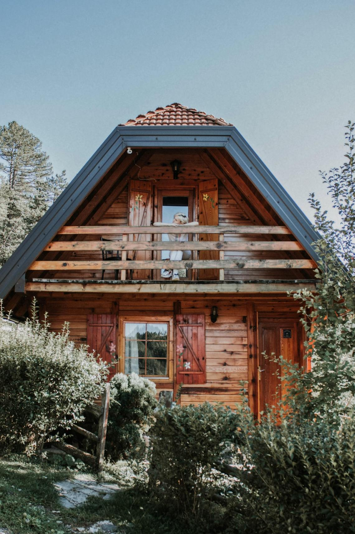 minimalist house exterior