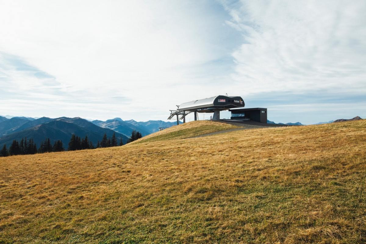 minimalist house inside 1