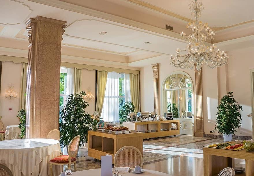 luxury chandelier lamp decoration with attractive room design