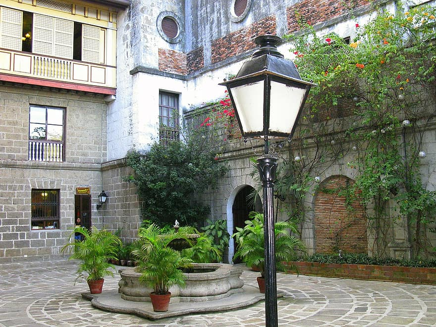 backyard patio street lamp court buildings courtyard architecture building landmark 1