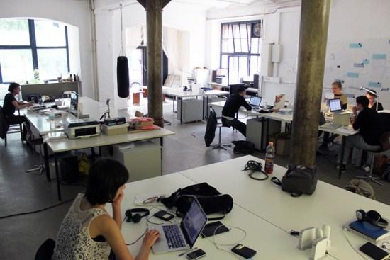Arbeit ist immer auch Beziehungsarbeit (Bild: Wikimedia Commons