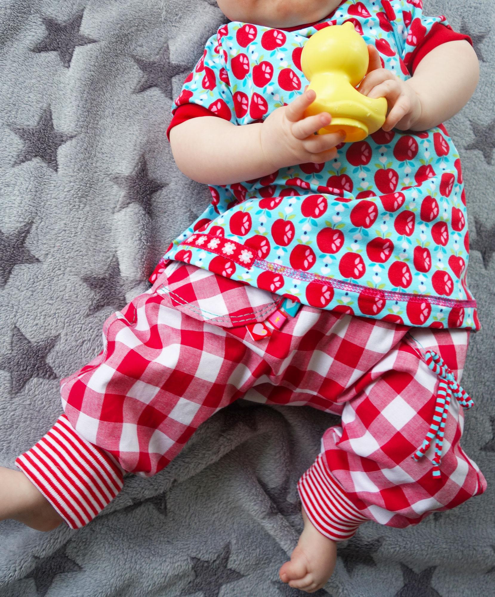 babysachen selber naehen einfache schnittmuster. Black Bedroom Furniture Sets. Home Design Ideas