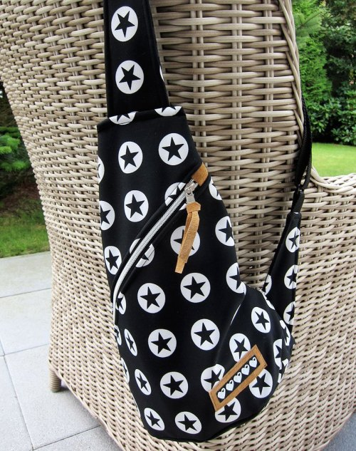 Crossbag nähen mit dem Ebook von farbenmix - Ob Rucksack oder Crossbag - das Schnittmuster erhaltet ihr bei farbenmix