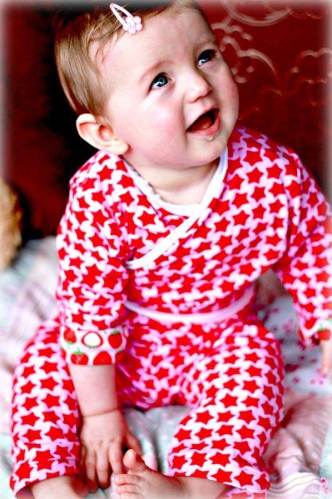 Shrug für Babies nähen ein Schnittmuster von 6 aus der Zwergenverpackung Vol. 2 von farbenmix