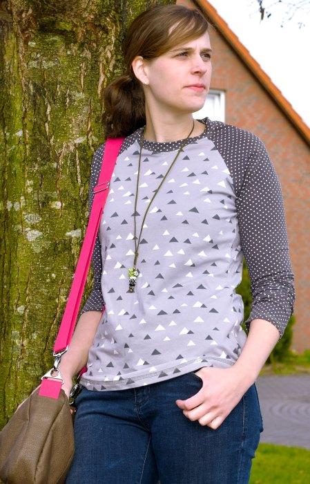 Raglanshirt nähen für Damen Schnittmuster für die großen bis 52. Sportliches Shirt nähen farbenmix ZOELA