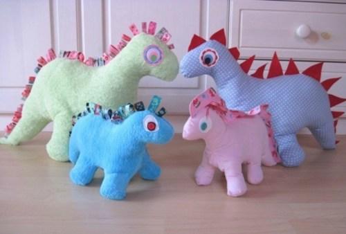 Kuscheltiere nähen - Dinosaurier Nähen mit dem Ebook von farbenmix OTTOKA