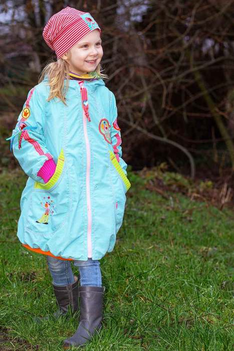 Kinder Jacke nähen Übergangsjacke nähen mit dem Schnittmuster von farbenmix als Papierschnitt und Ebook zum sofort ausdrucken