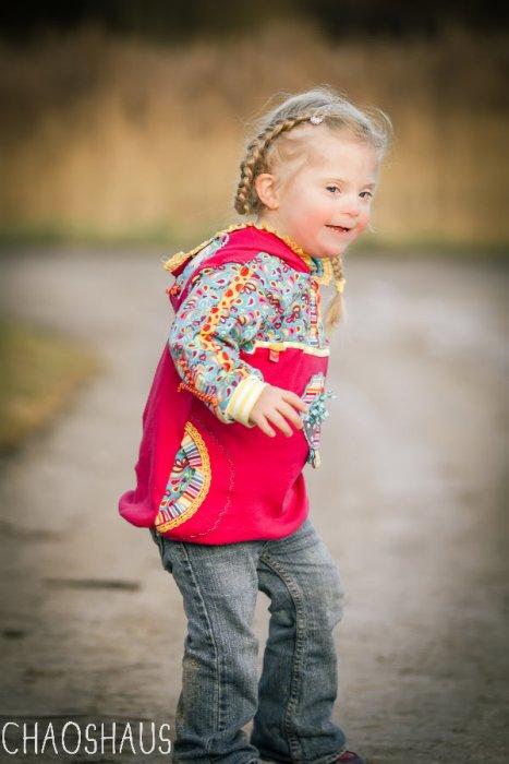Schnittmuster YETTA für Kinder mit Down-Syndrom von farbenmix als Ebook und Papierschnitt