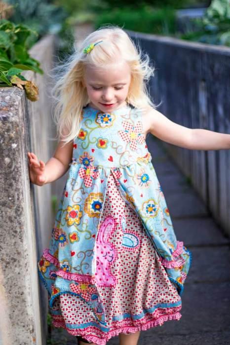 Prinzessinnenkleid nähen mit Schnittmustern Ebook und Papier von Farbenmix