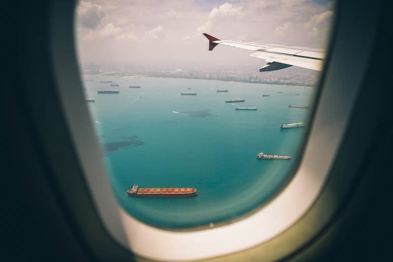 aircraft airplane-blue cargo