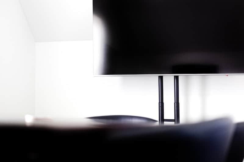 Modern LCD Tc inside living room