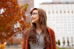 beautiful-girl-wearing-braces