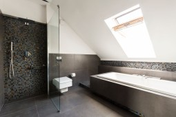 6 Ways to Make Your Bathroom Look Bigger