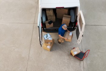 How To Start Up Your Own Courier Business