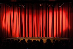 8 Interesting Ideas To Host A Memorable Award Ceremony