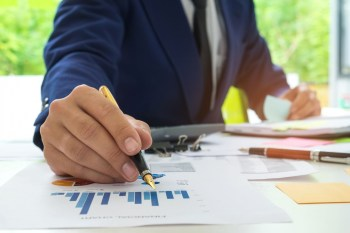 Top 6 Reasons to Pursue a Master's Degree in Data Analytics