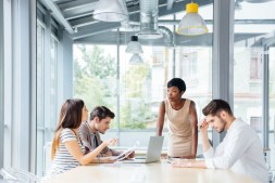 3 Tips for Professionals Who Want to Learn to Lead