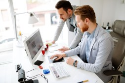 These are the 4 Best Online Employee Management Solutions in 2020