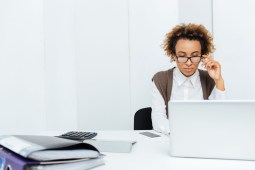 How to Select the Best Payroll Software for Small Business