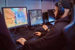 Impact of the Covid-19 pandemic on online gaming industry