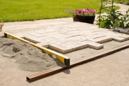5_Ways_to_Revolutionize_Your_Exterior_Living_Space_with_Complementary_Paver_Designs (1)