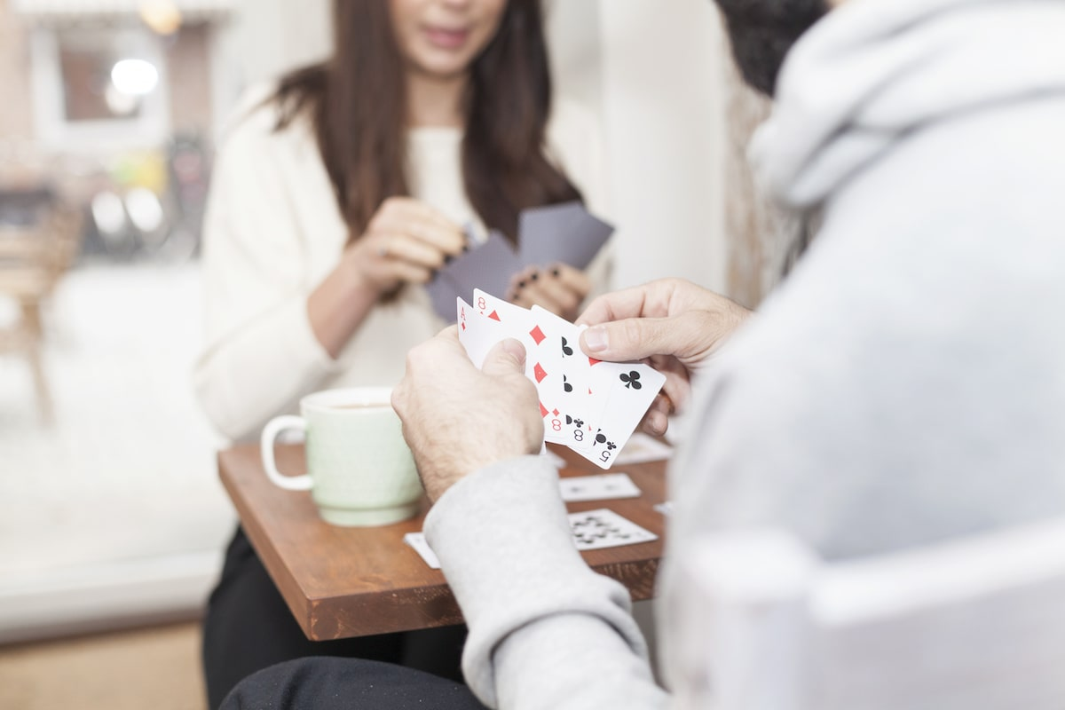 10 Fun 2-Person Card Games to Play on Your Next Date Night