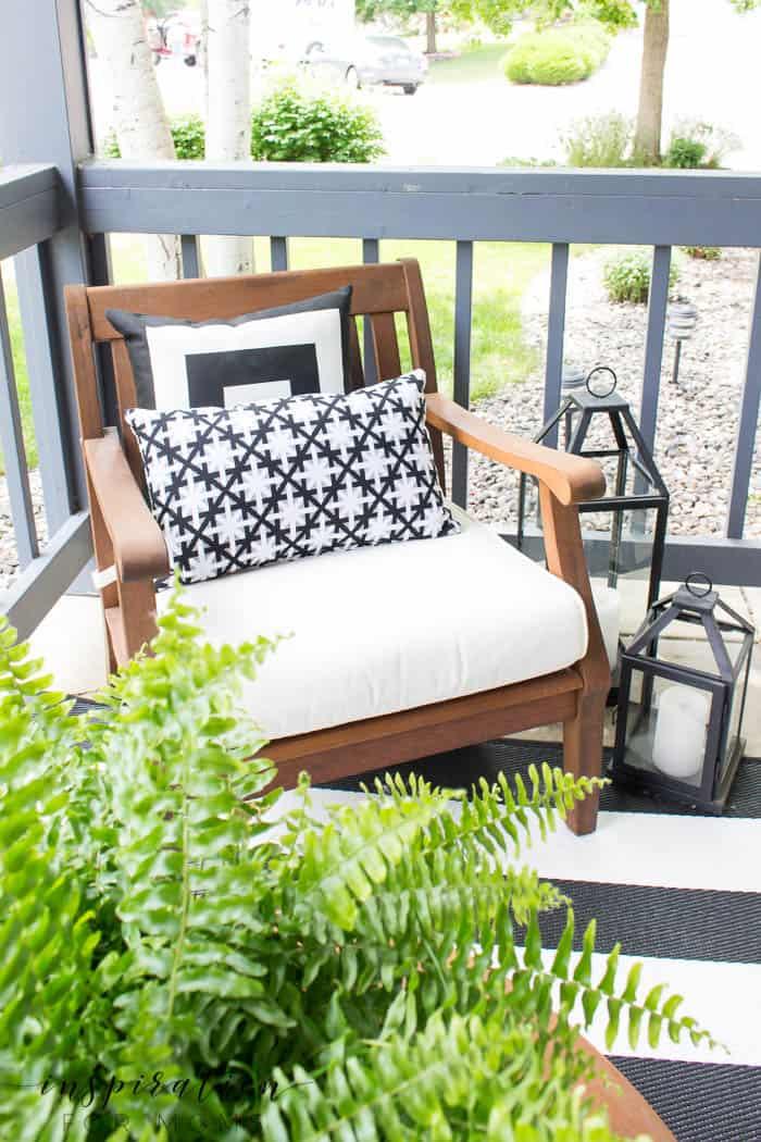Summer Porch Decor Ideas: Black and White - Inspiration ... on Black And White Backyard Decor  id=33584