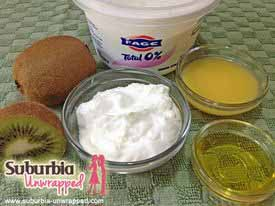 face-scrub-with-yogurt-and-kiwi