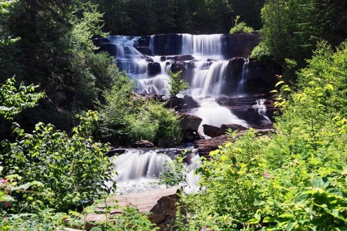 cascades et rivières