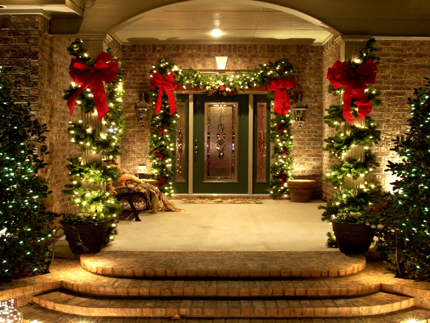 31 Exterior Christmas Decorating Ideas   InspirationSeek com Exterior Christmas Decorating Ideas
