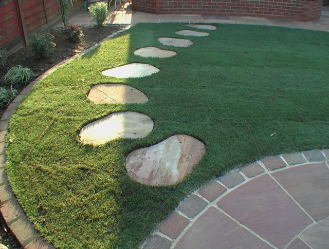 Garden Stepping Stone Design and Ideas - InspirationSeek.com on Stepping Stone Patio Ideas  id=63053
