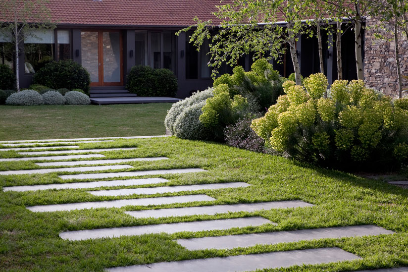 Garden Stepping Stone Design and Ideas - InspirationSeek.com on Landscaping Ideas For Rectangular Backyard  id=75984
