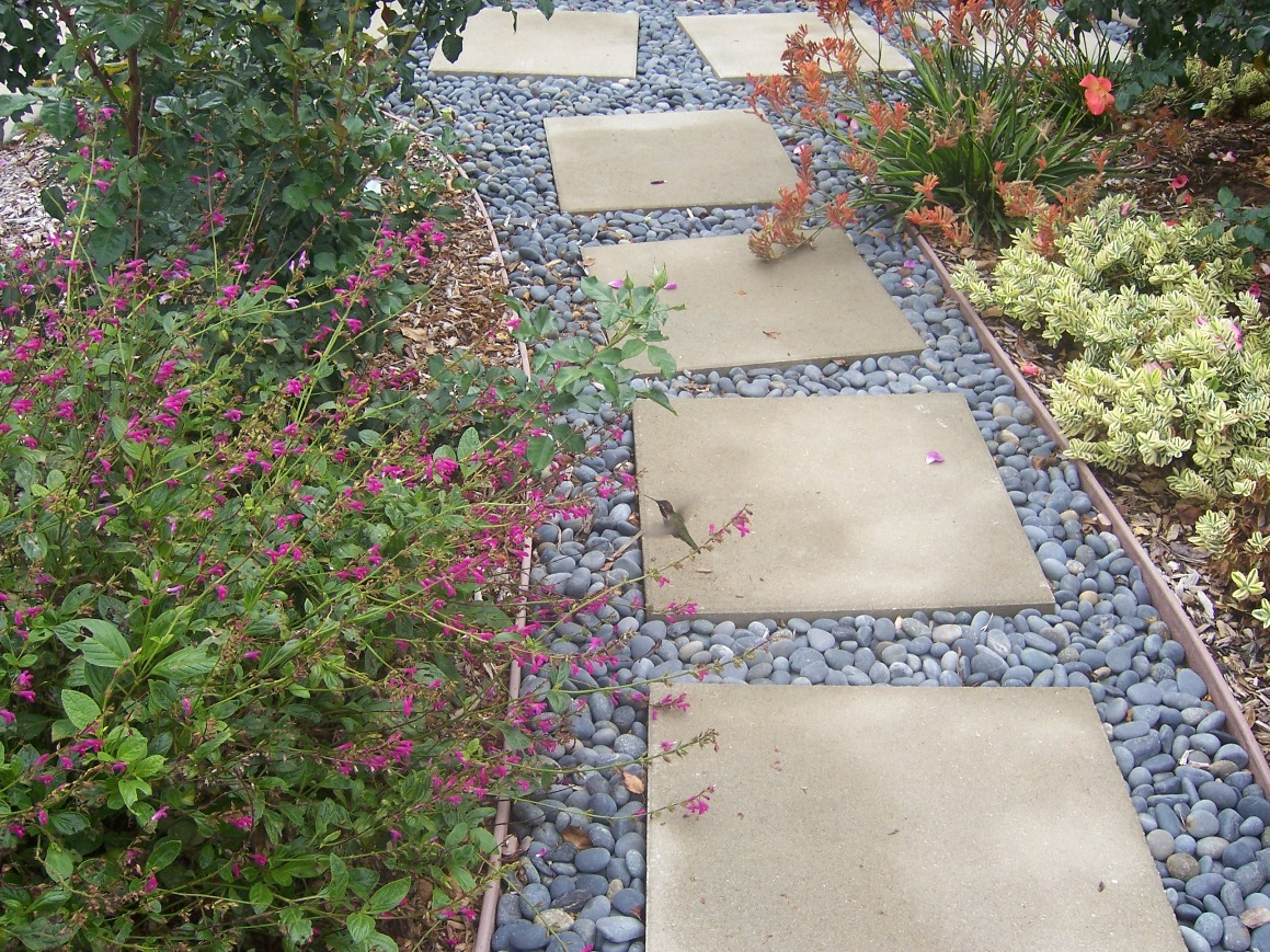 Garden Stepping Stone Design and Ideas - InspirationSeek.com on Stepping Stone Patio Ideas  id=32671