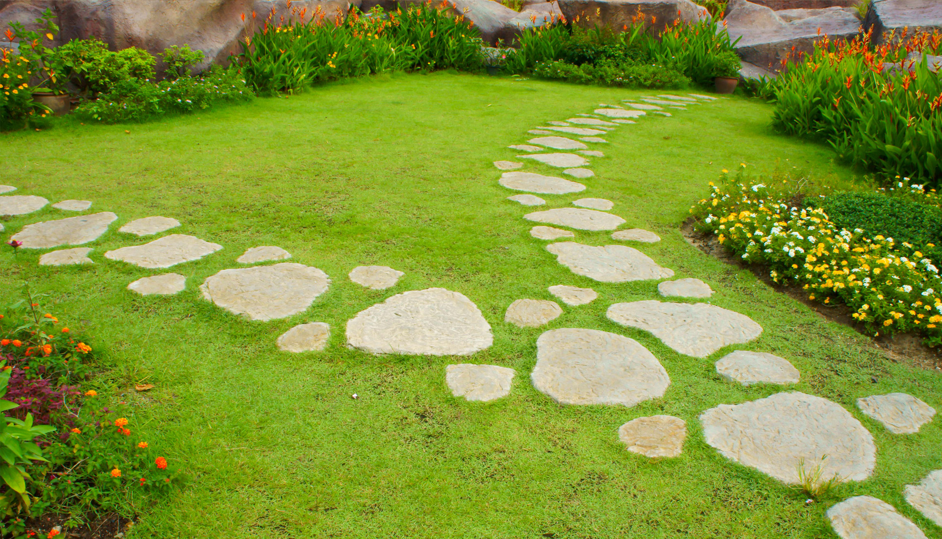 Garden Stepping Stone Design and Ideas - InspirationSeek.com on Stepping Stone Patio Ideas  id=48337