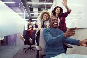 Formation «Phygitale »: intégrer la digitalisation au sein de vos équipes en maintenant votre dynamique relationnelle de qualité