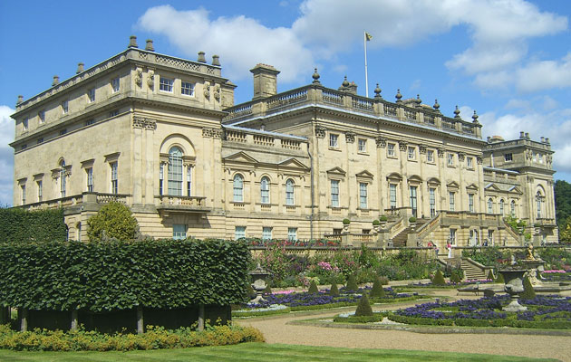 Harewood_House,_seen_from_the_gardensml