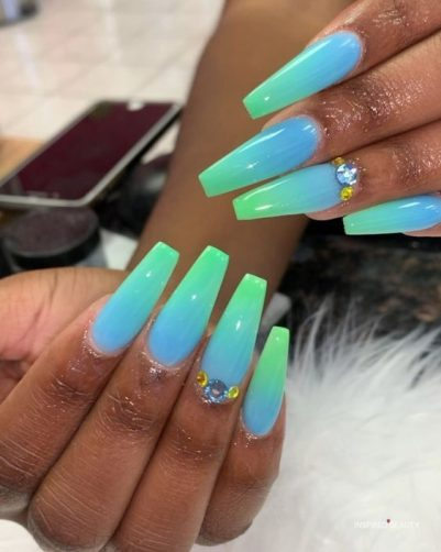blue green ombre nails