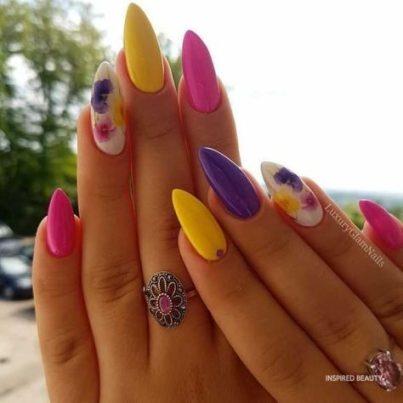 Colorful acrylic nails