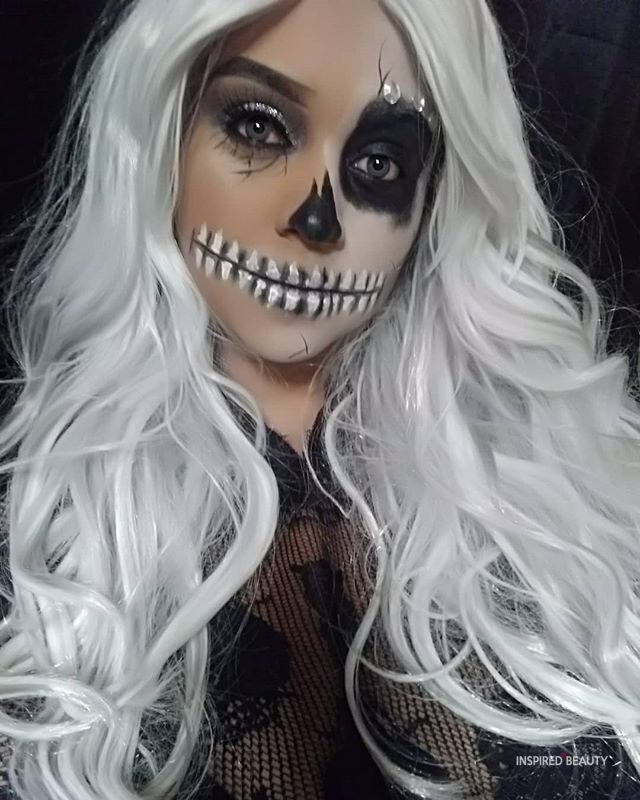 Halloween skull lips makeup